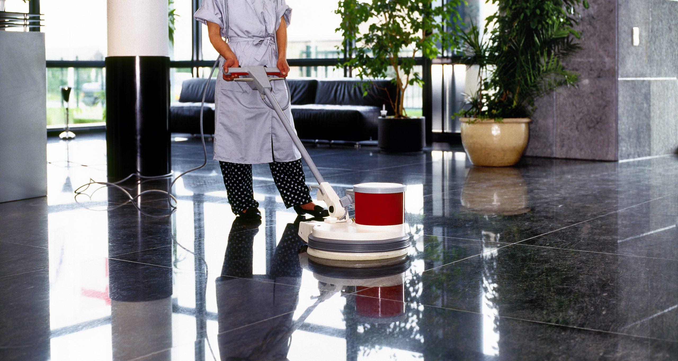 318 Υπηρεσίες Καθαρισμού